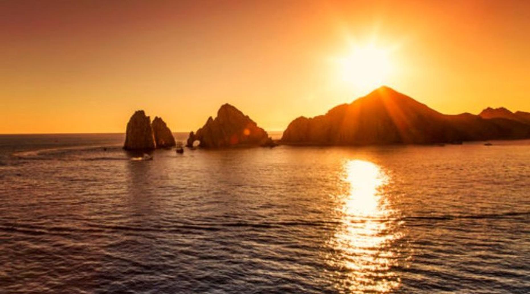 Private Sightseeing & Sunset Rides Boat Tour in Cabo San Lucas