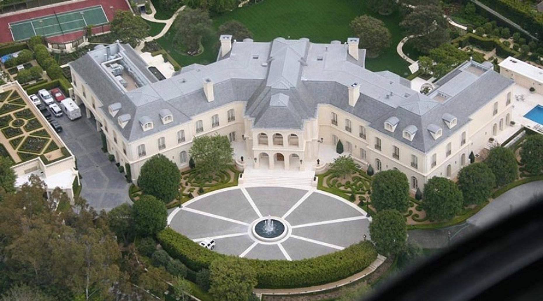2-Hour Celebrity Homes Tour From Hollywood to Beverly Hills