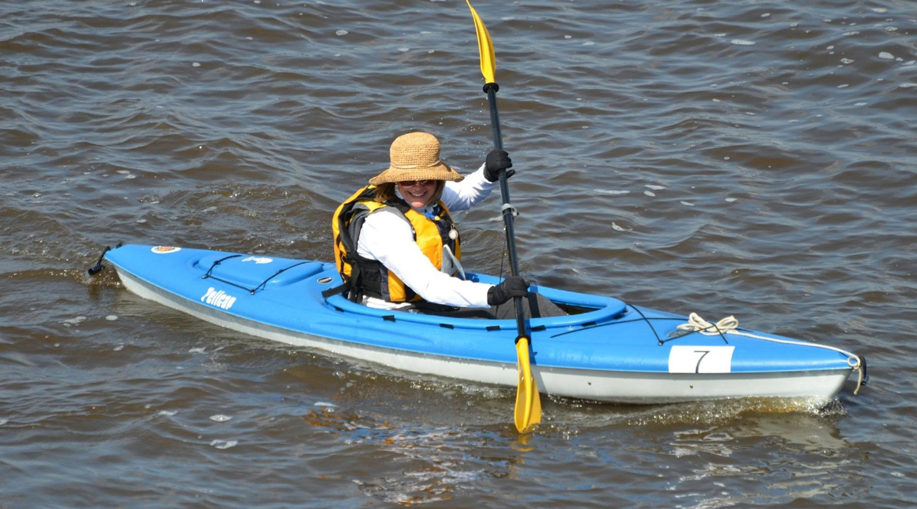 Dungeness Crab Kayaking Trip in Bodega Bay