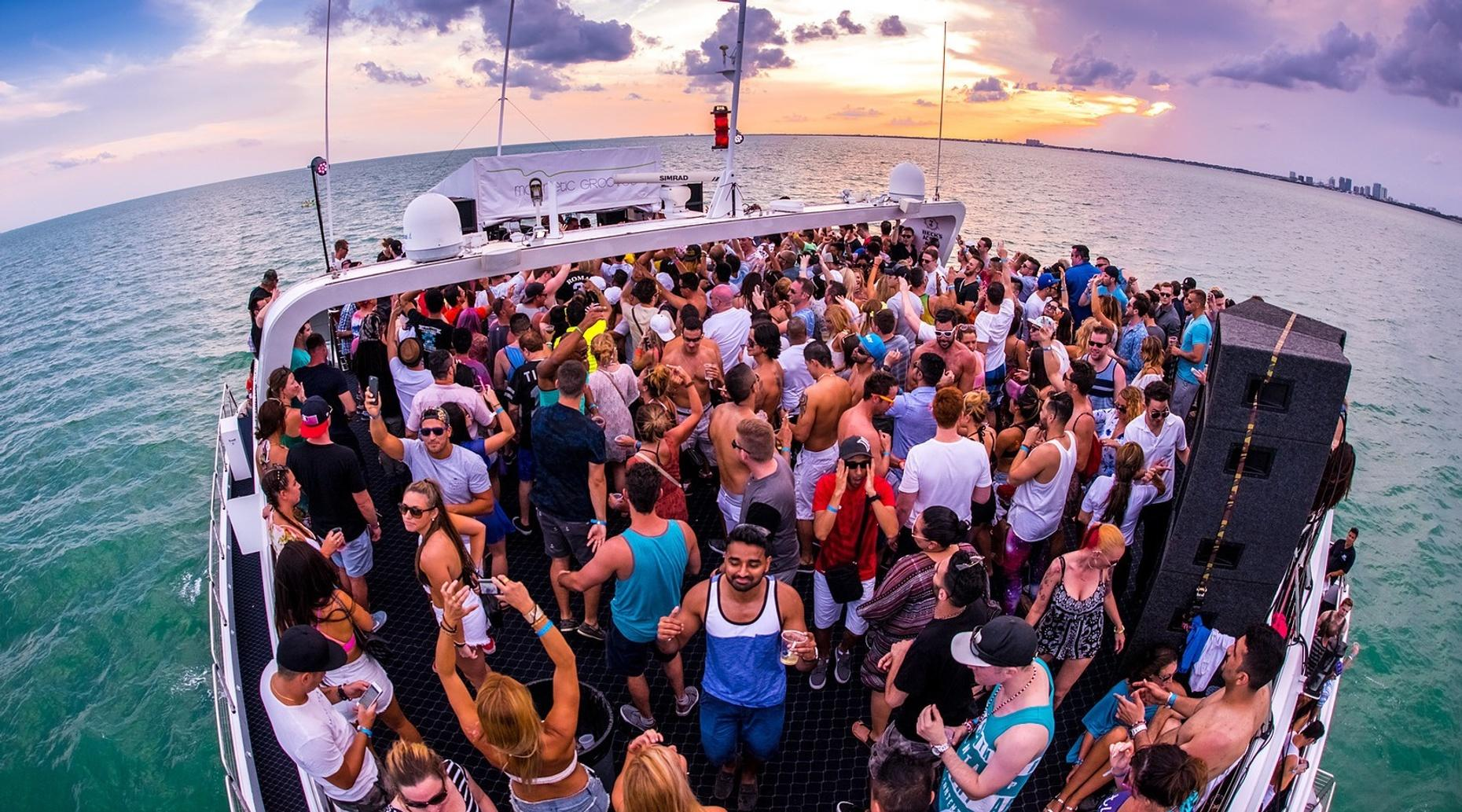 Boat Party Booze Cruise in South Beach