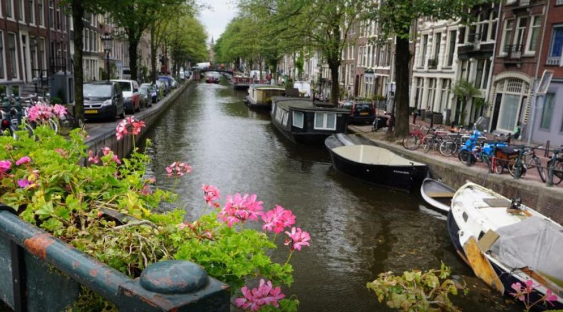 4-Hour Amsterdam Food & Canals Tour