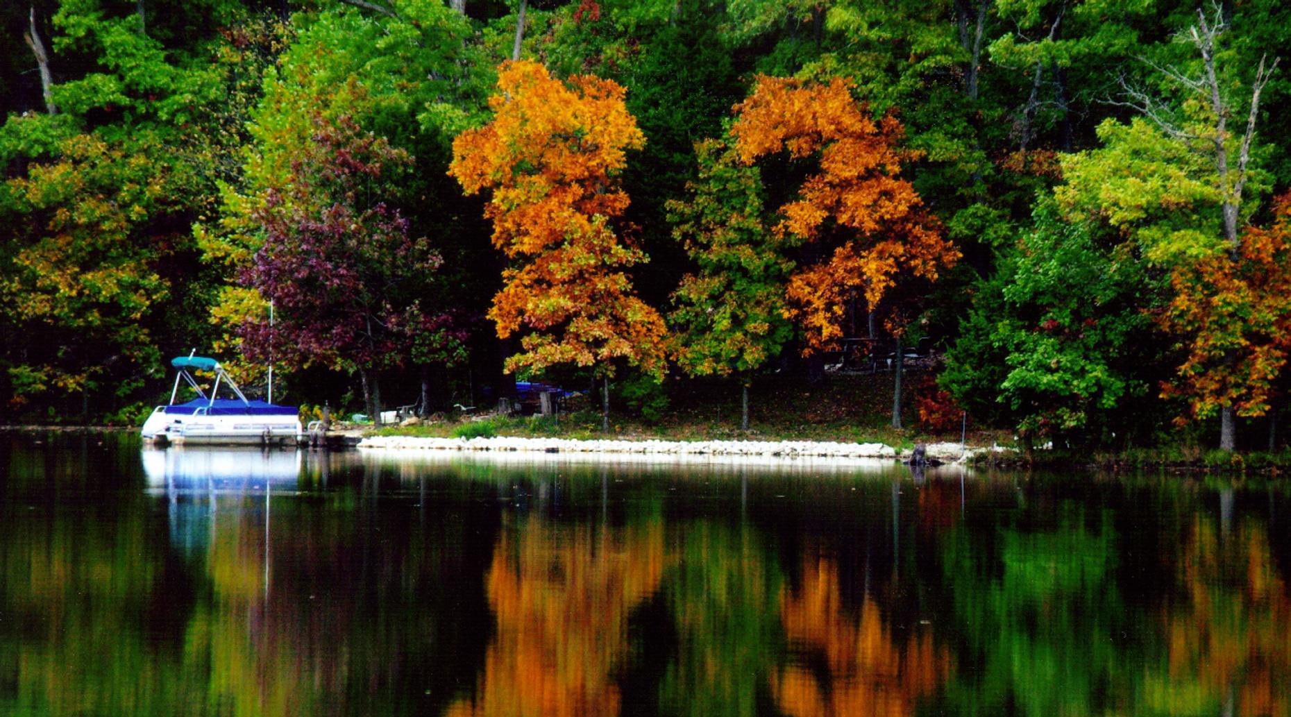 Full-Day 22' Pontoon Boat Rental in Oak Creek