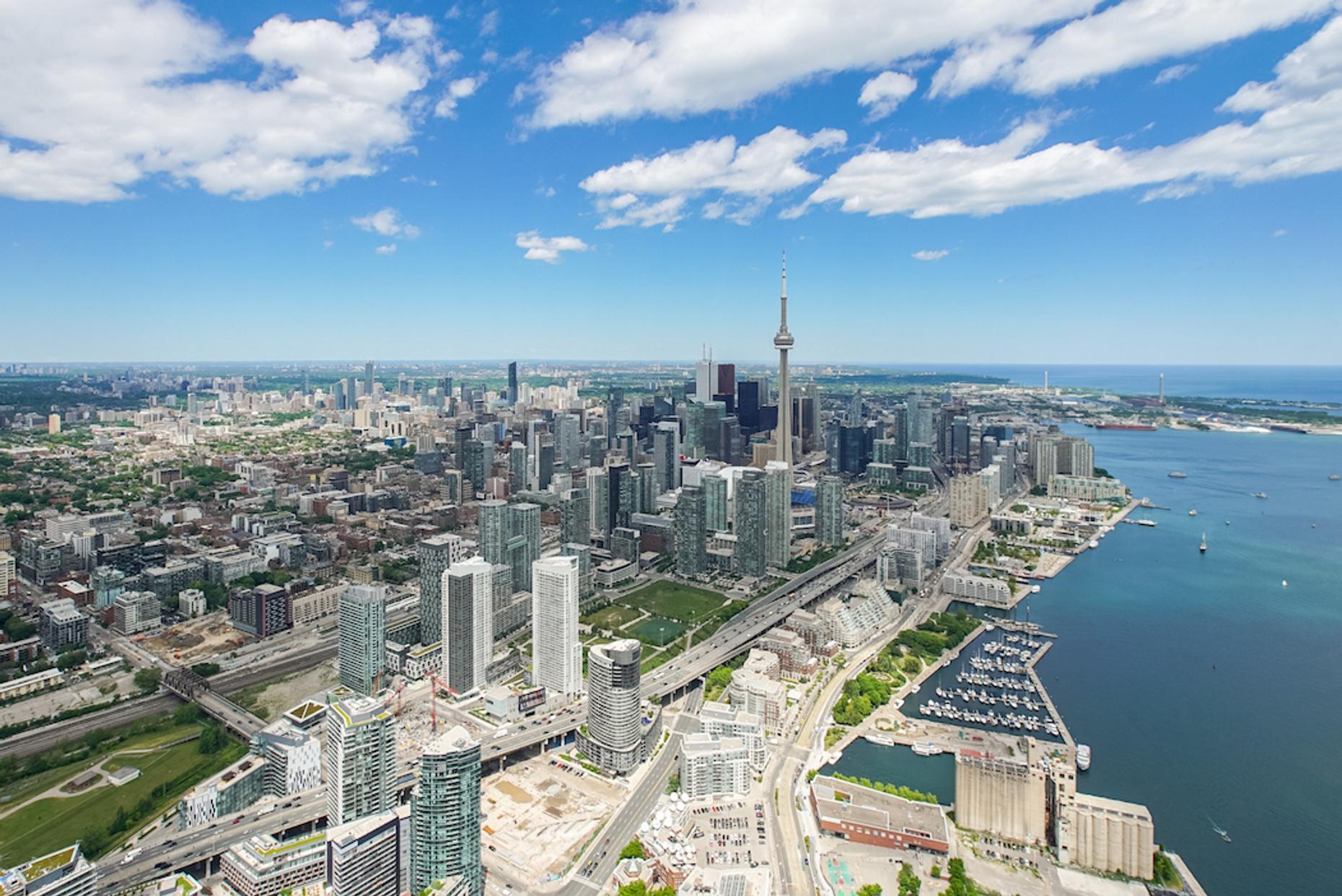 100 KM Plane Tour of Toronto