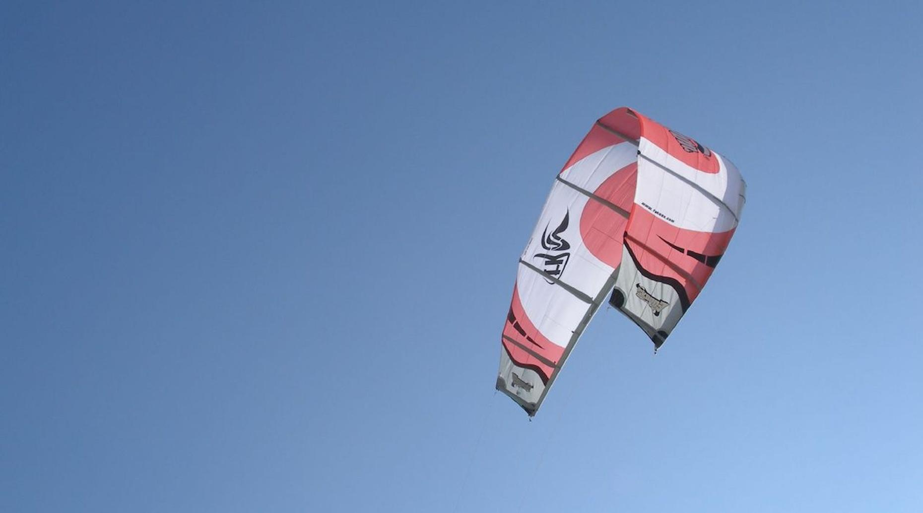 Intro Kiteboarding Lesson in East Tawas