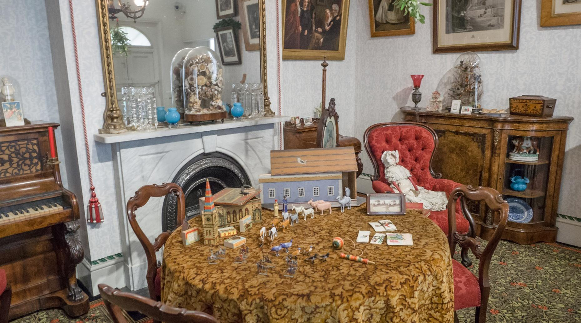 Aunt Esther's Condo Escape Game in Fort Lauderdale
