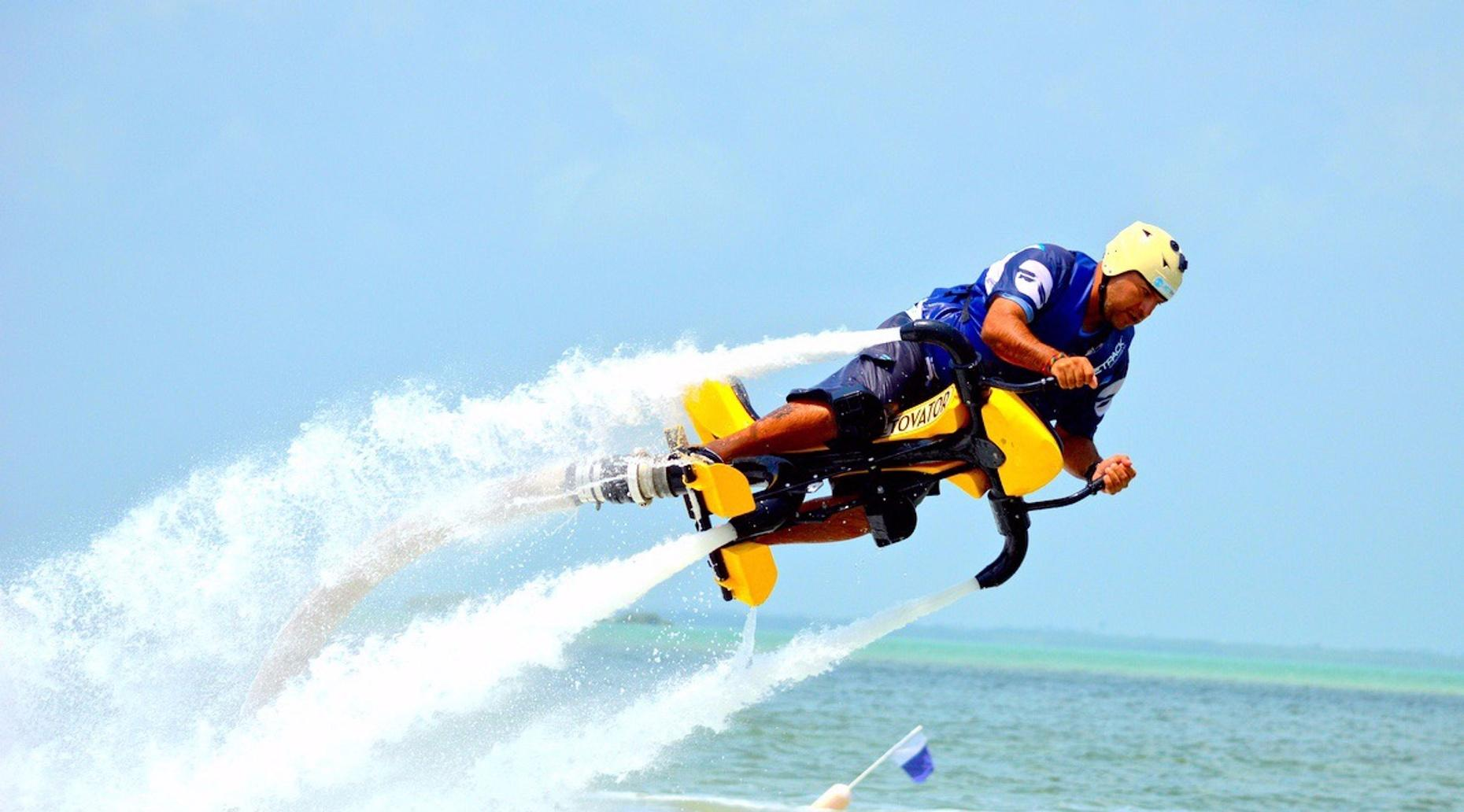 Jetovator Flight and Lesson in Cancun