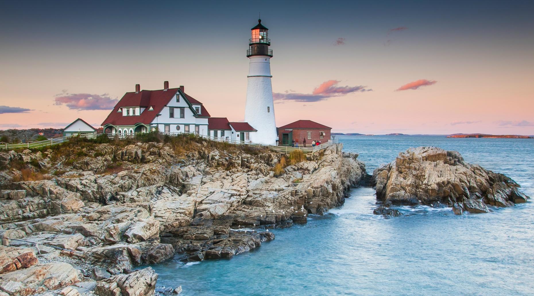 Private Lighthouse & Sightseeing Charter in Portland
