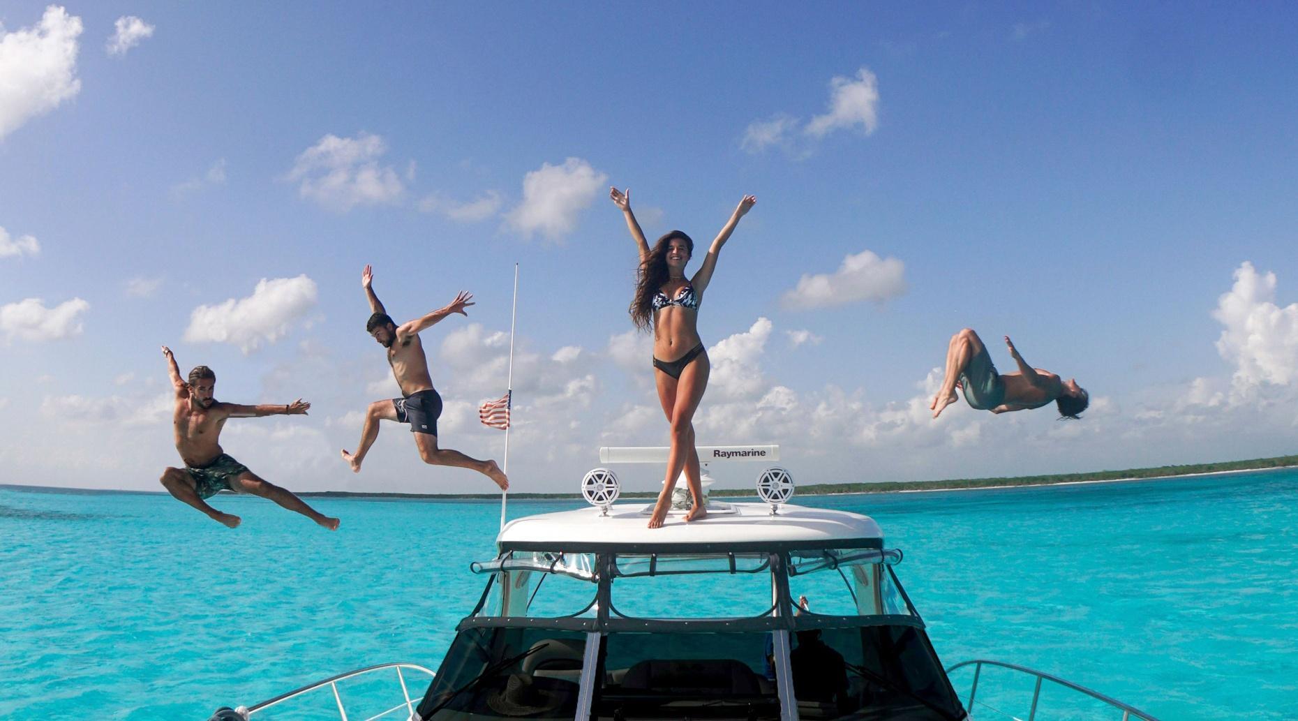 Cozumel SeaRay 40' Boat Rental
