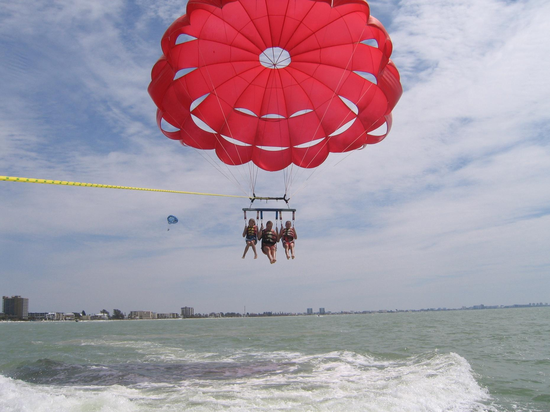 1200' Parasailing Flight in Fort Myers Beach
