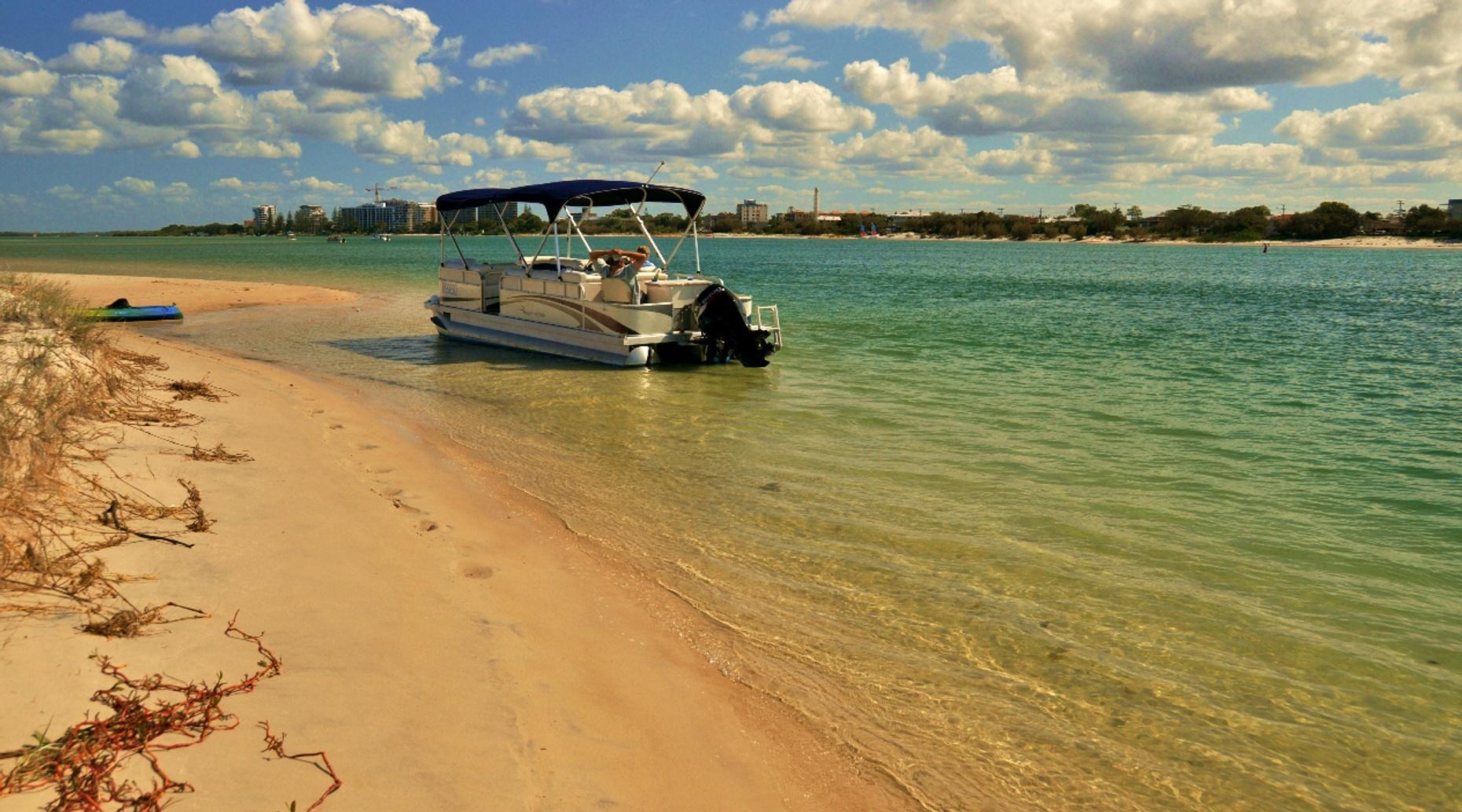 Palm Beach Two Hour 19' Pontoon Boat Rental