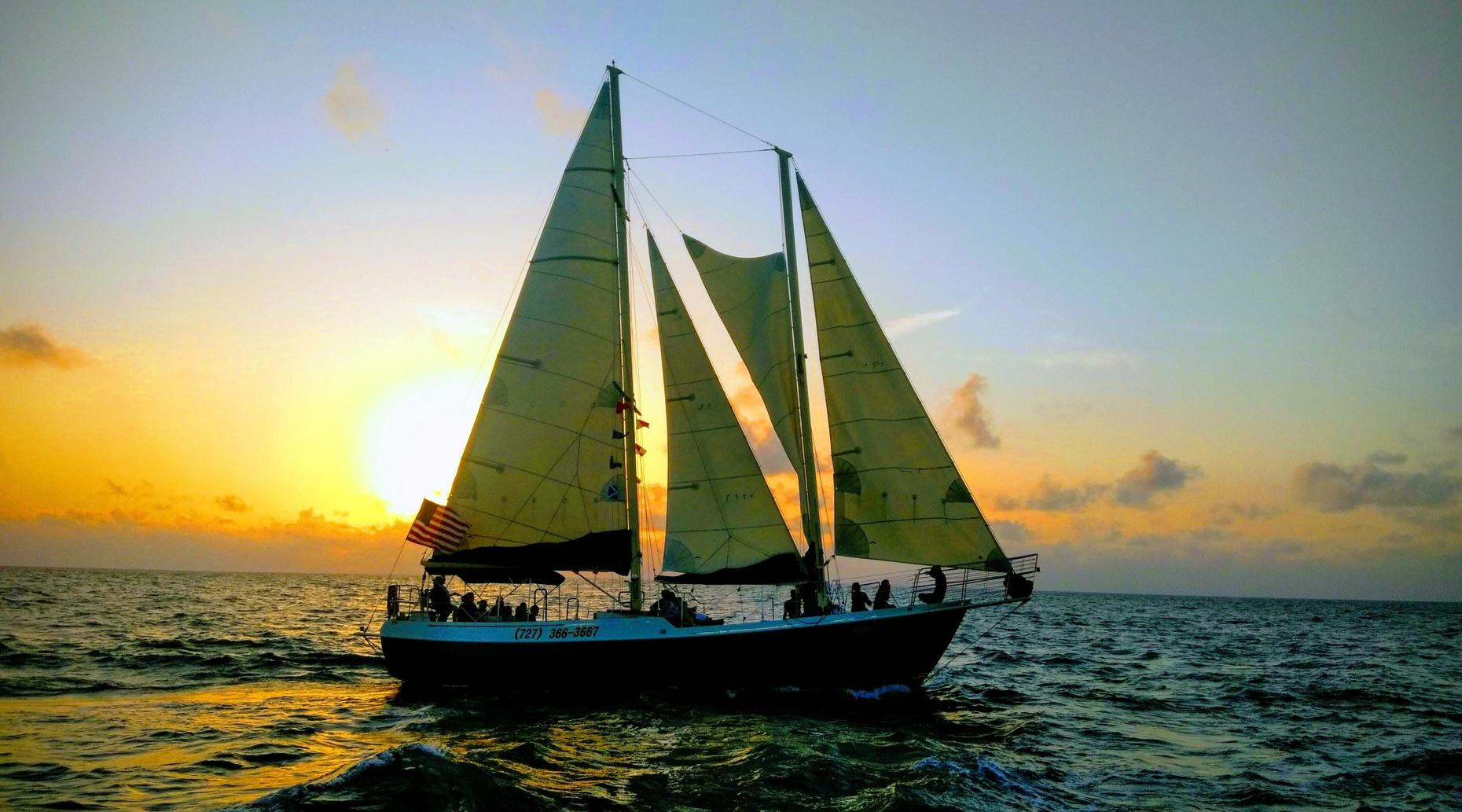 2-Hour Sunset Clearwater Beach Sailing Cruise