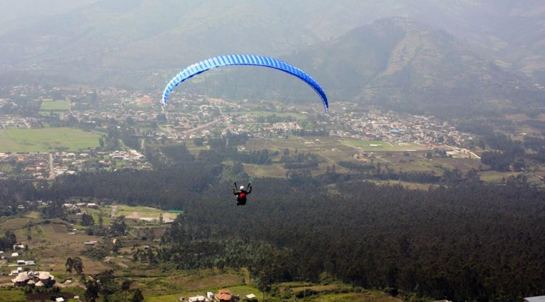Quito Paragliding Flight