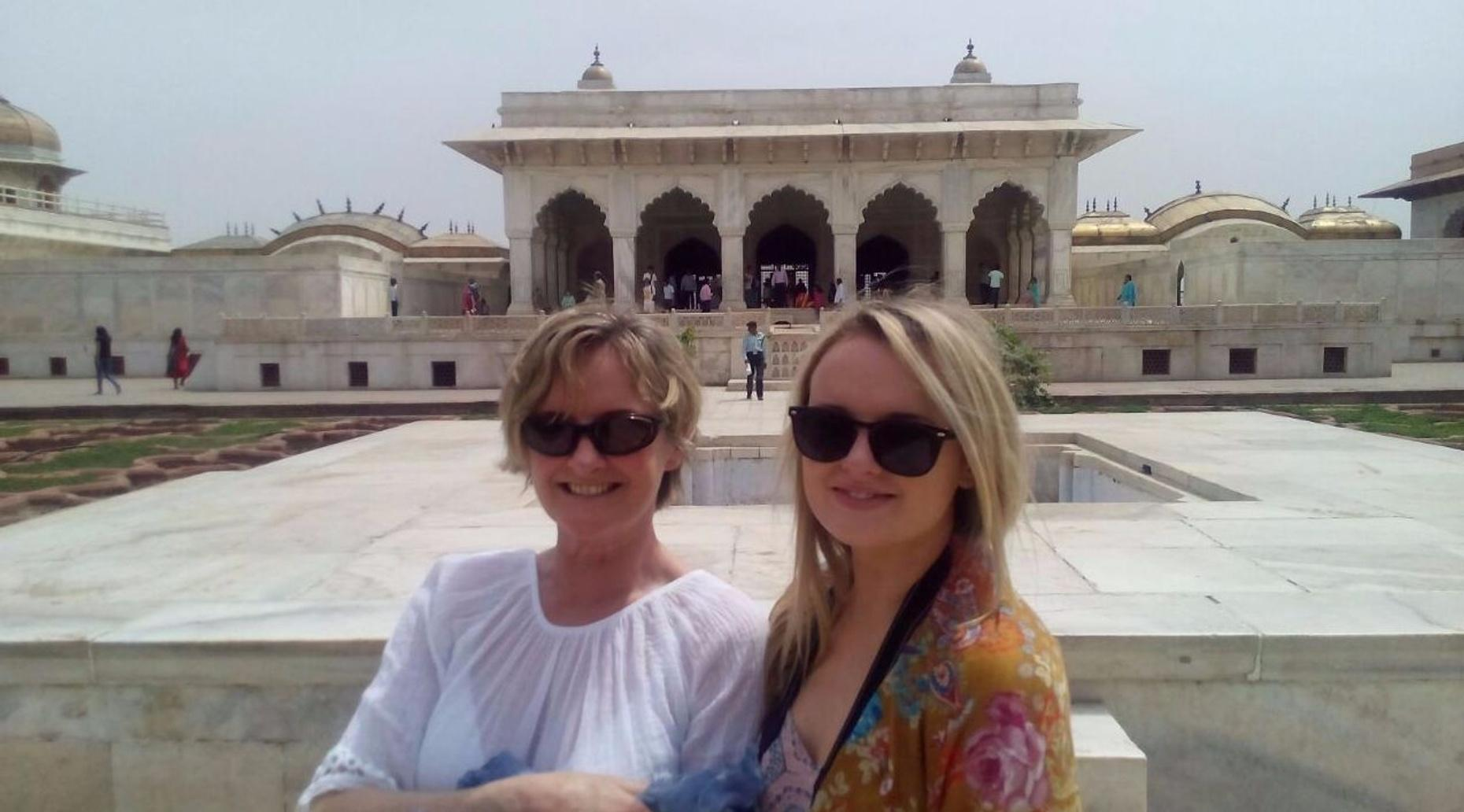 Guided Sunrise Tour of the Taj Mahal from Agra