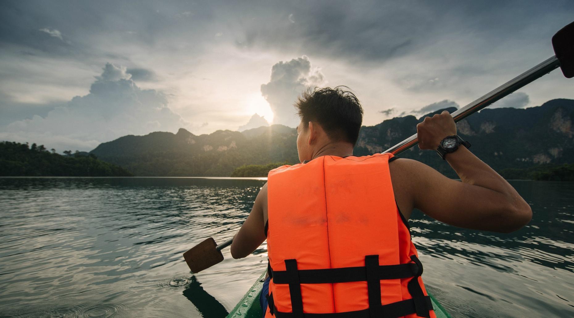 Self-Guided Nature Lovers Kayak Tour in El Lago