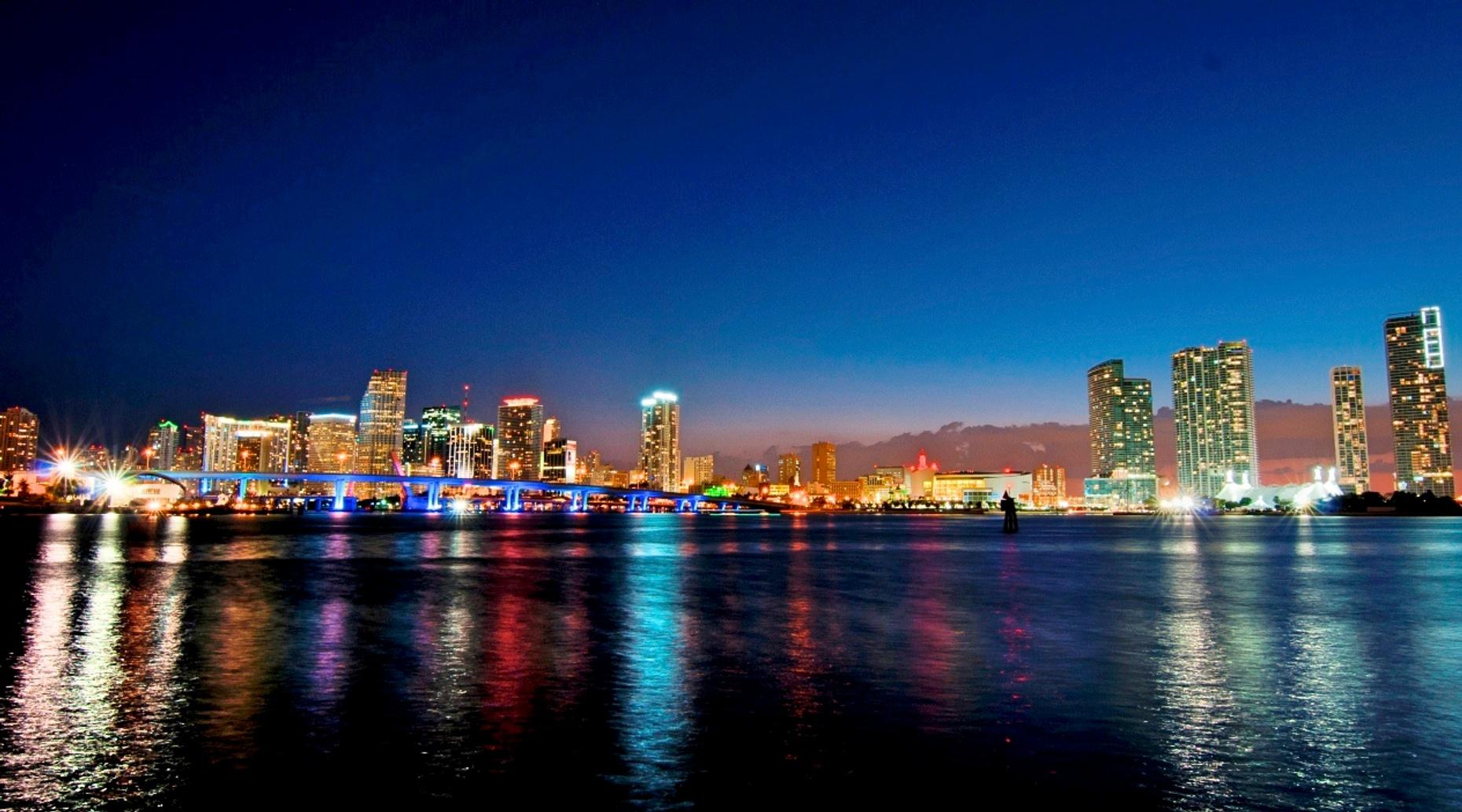 Miami City Tour, Everglades & Star Island Cruise Combo