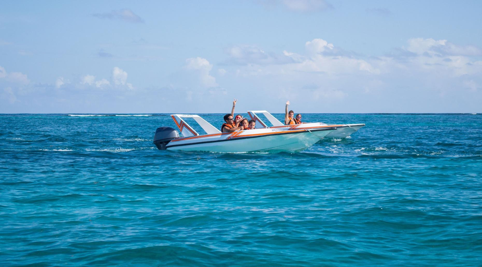 Jungle, Speed Boat and Snorkeling Tour at Nizuc Reef