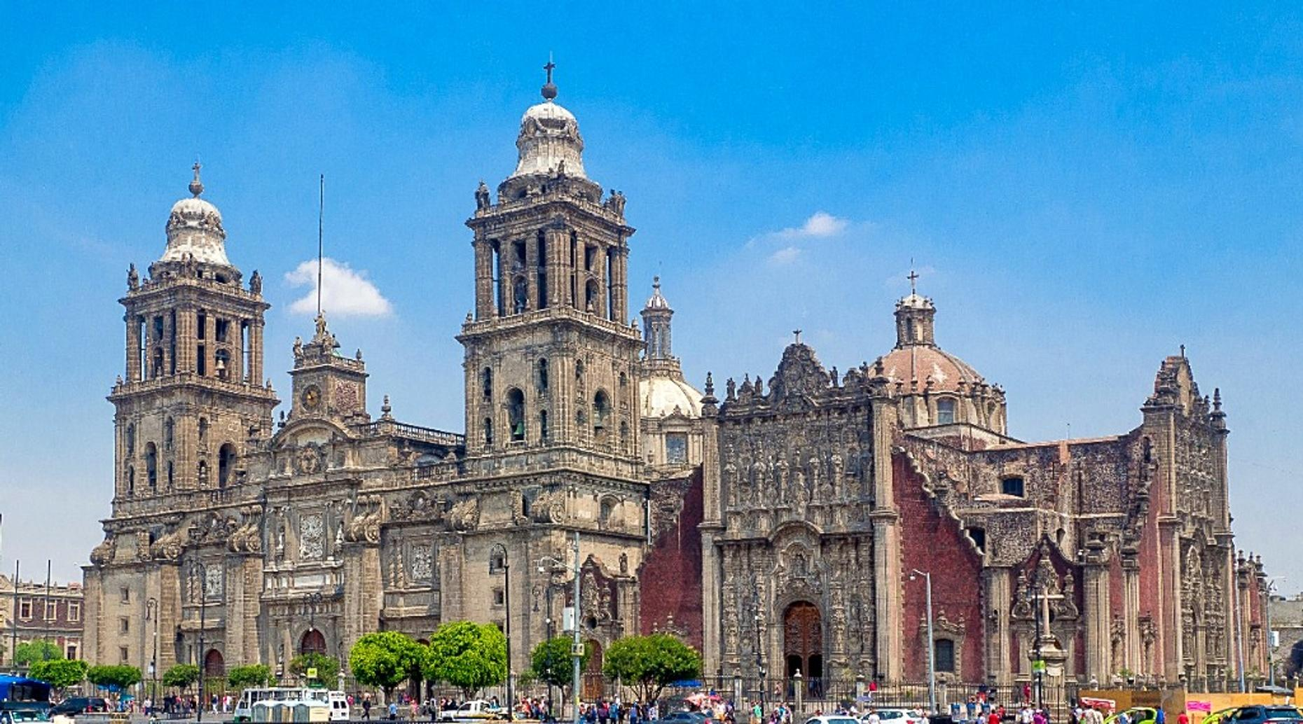 Chapultepec Castle & Anthropology Museum Tour in Mexico City