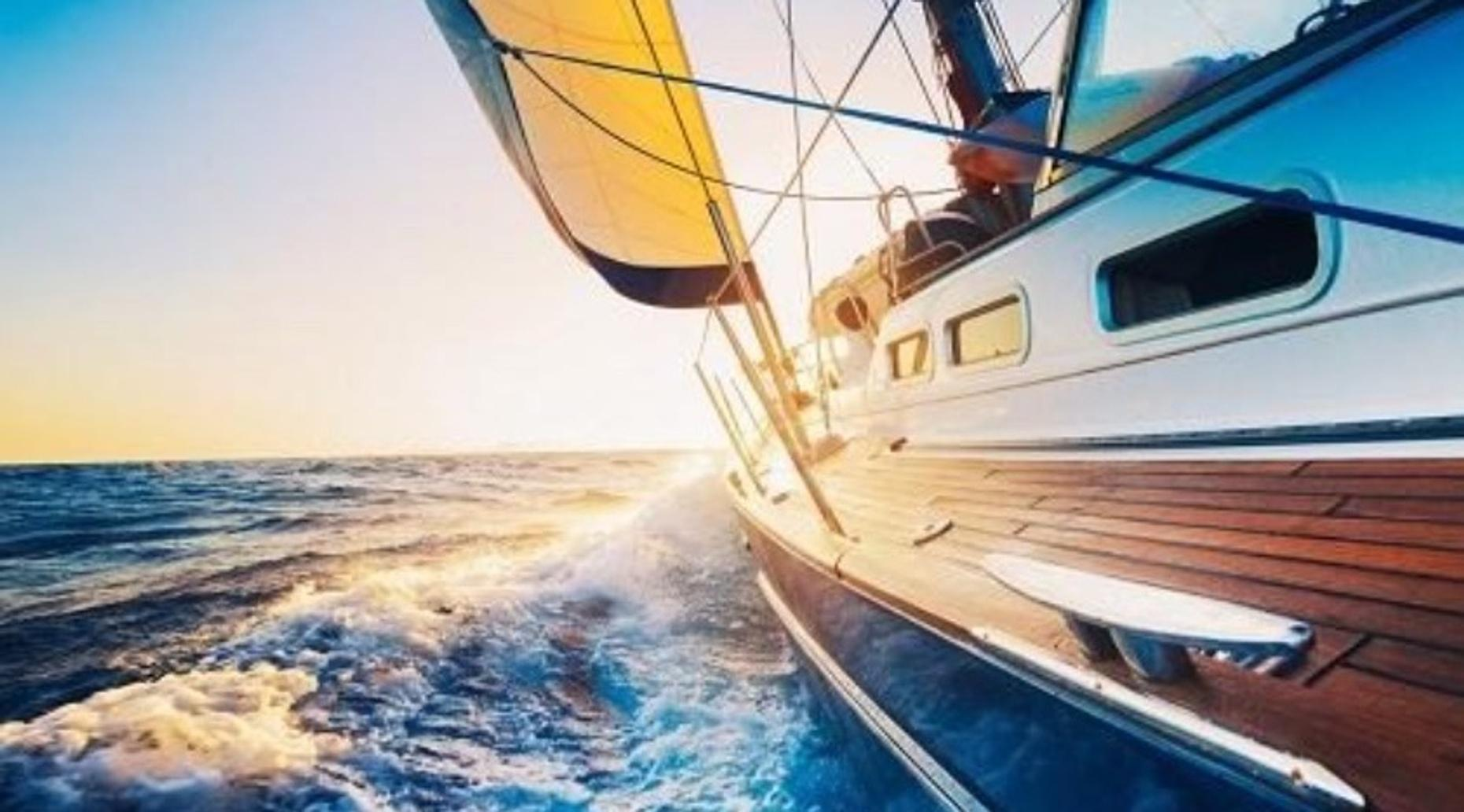 3-Hour Santa Monica Bay Sunset Sail with Gourmet Hors d'oeuvres