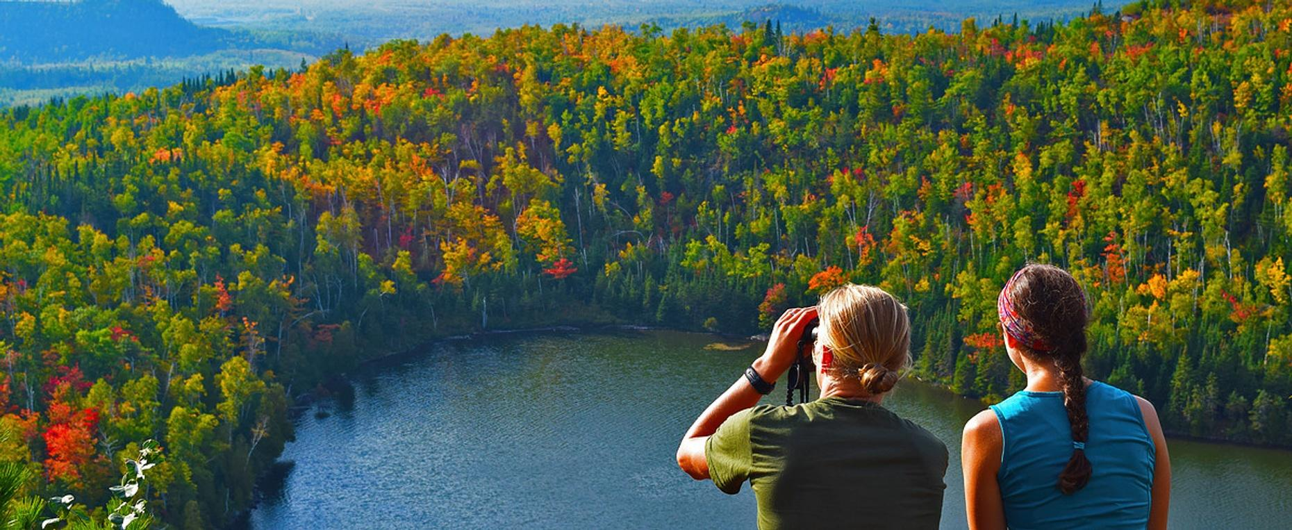 Two Hour Nature and History Hiking Tour in Duluth