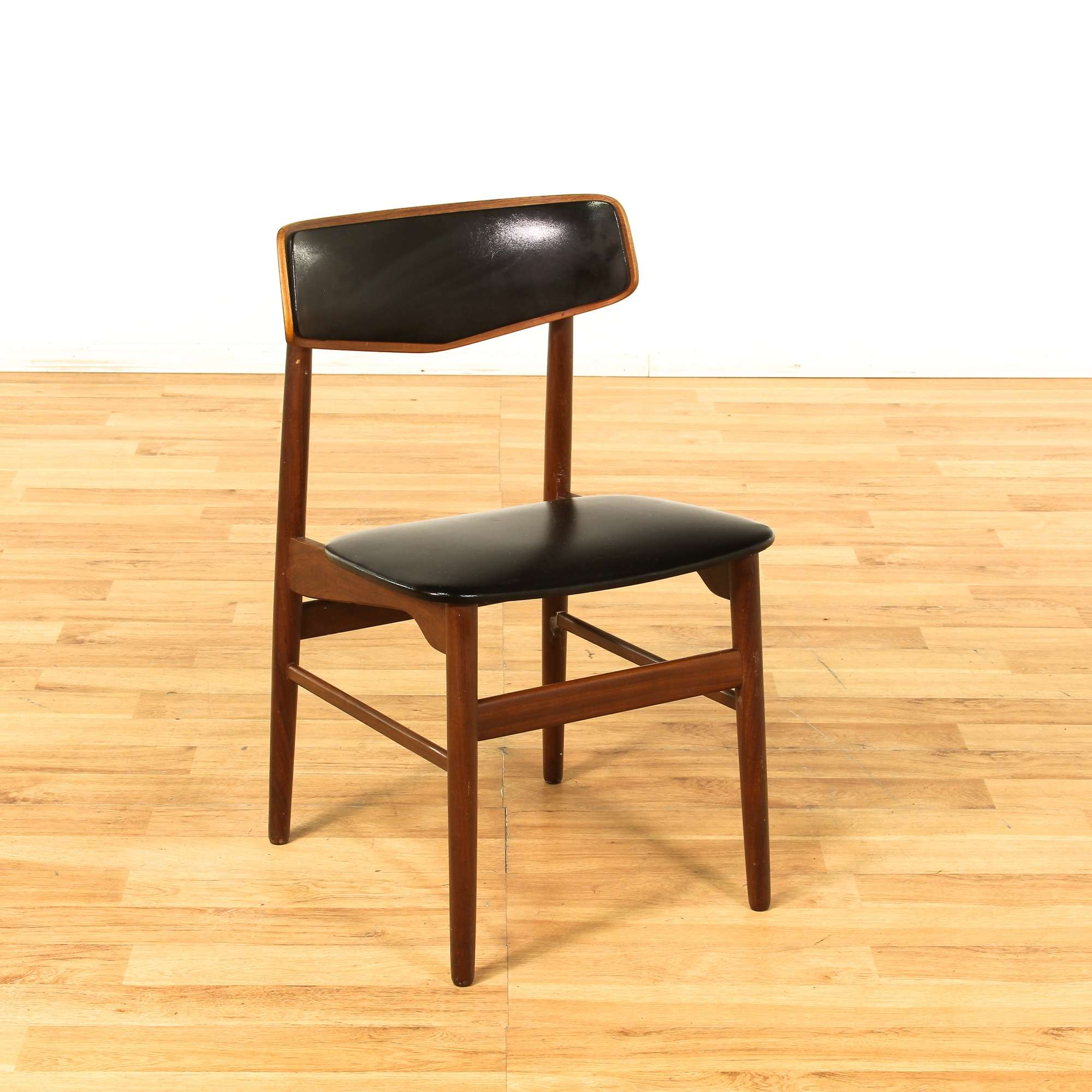 Image of: Mid Century Modern Dining Chair Black Leather Look Loveseat Online Auctions Los Angeles