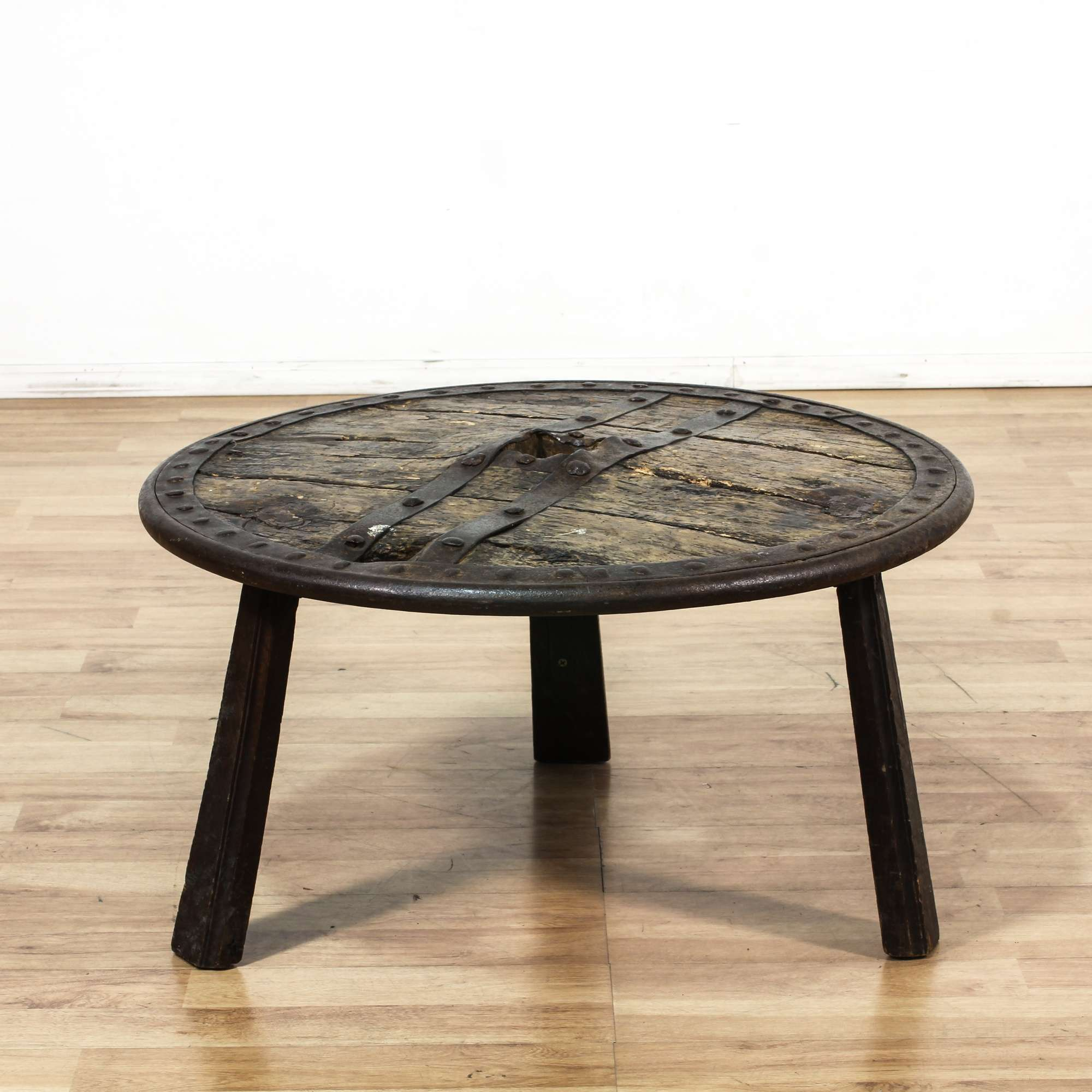 Primitive rustic round shield coffee table loveseat vintage primitive rustic round shield coffee table loveseat vintage furniture los angeles geotapseo Image collections