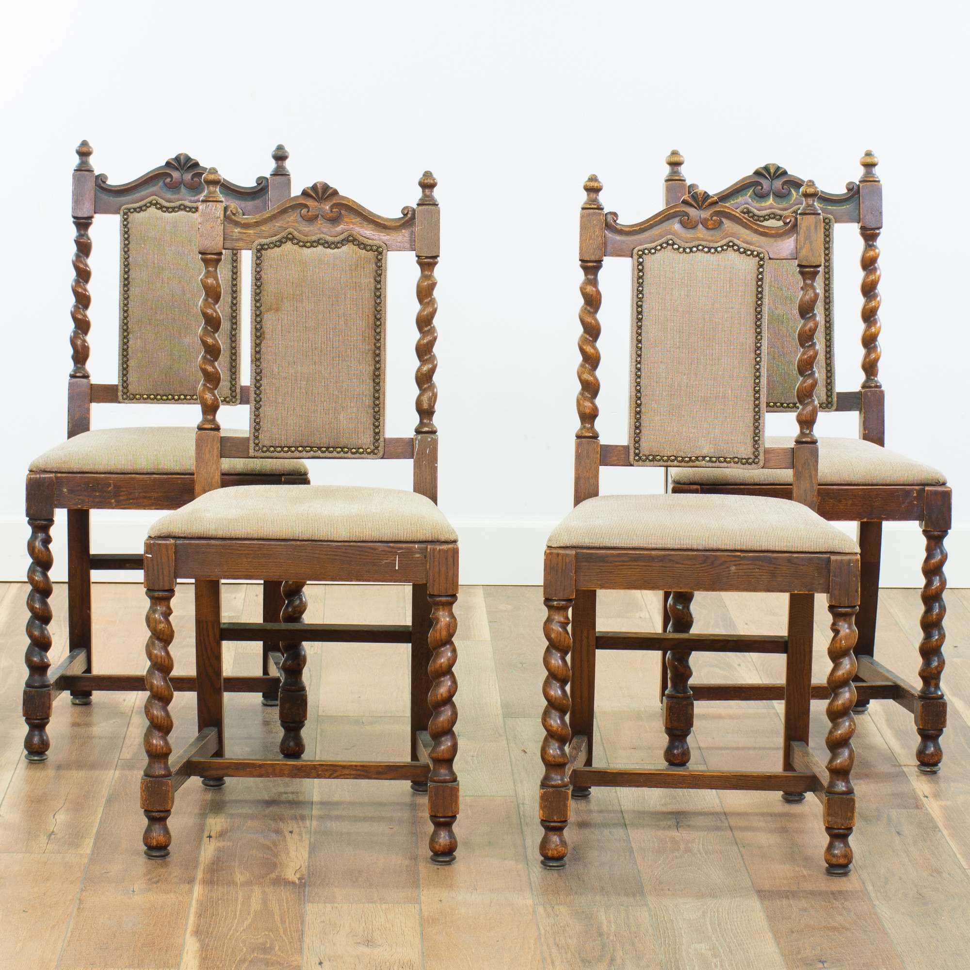 Fine Set Of 4 Spanish Revival Spindle Leg Oak Dining Chairs Evergreenethics Interior Chair Design Evergreenethicsorg