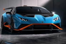 Range-topping V10 supercar arrives in Aus with a $596,000 price tag.