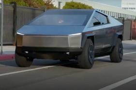Jay Leno takes Tesla Cybertruck for a spin