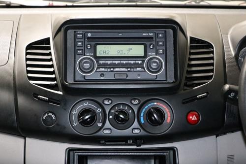 MITSUBISHI TRITON GLX MN GLX Utility Double Cab 4dr Man 5sp 4x4 2.5DT [MY13]