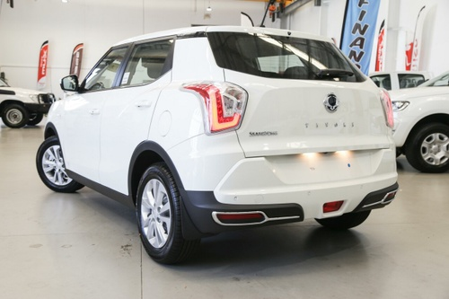 SSANGYONG TIVOLI EX X100 EX Wagon 5dr Spts Auto 6sp 2WD 1.6 [Oct]