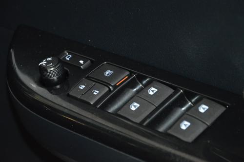 TOYOTA HILUX SR5 GUN126R SR5 Utility Double Cab 4dr Spts Auto 6sp 4x4 2.8DT [Jun]
