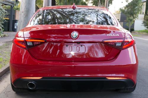 ALFA ROMEO GIULIA Super Super Sedan 4dr Spts Auto 8sp 2.0T