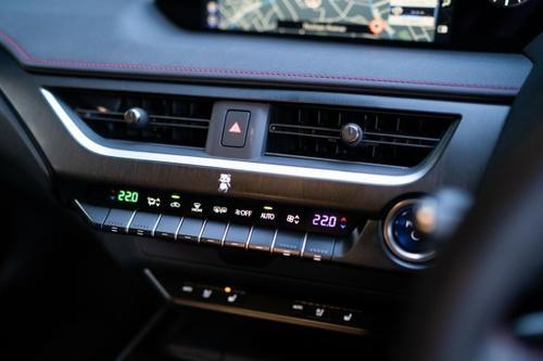 Lexus UX UX250h MZAH15R UX250h F Sport Hatchback 5dr E-CVT 1sp AWD 2.0i/80kW Hybrid [Dec]