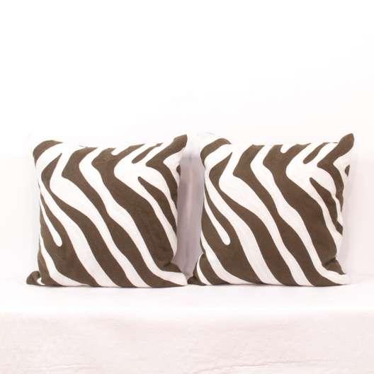 Remarkable Pair Of Brown White Zebra Print Throw Pillows Loveseat Com La Auction Uwap Interior Chair Design Uwaporg