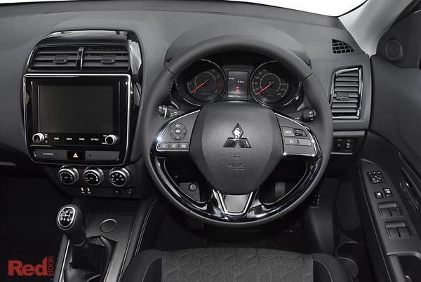 Mitsubishi ASX ES