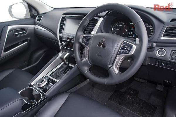 Mitsubishi Pajero Sport GLS