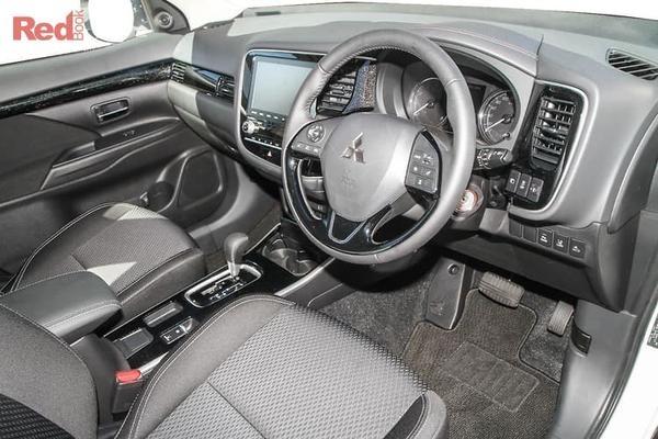 Mitsubishi Outlander ES