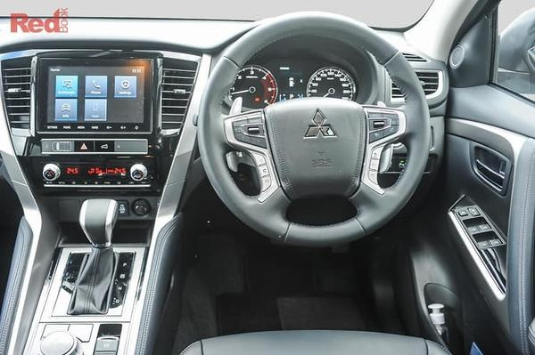 Mitsubishi Pajero Sport GLX