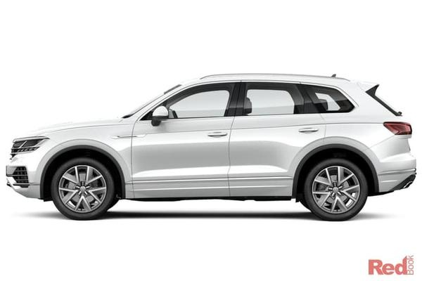Volkswagen Touareg 190TDI Selected MY19 Demonstrator vehicles - Free 3 Year/45,000 km scheduled servicing
