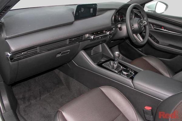 Mazda 3 G20
