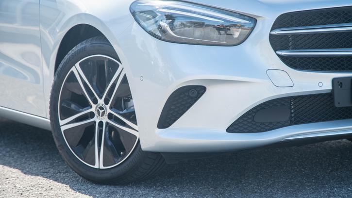 2019 Mercedes-Benz B180 review   Tech, Comfort and Power