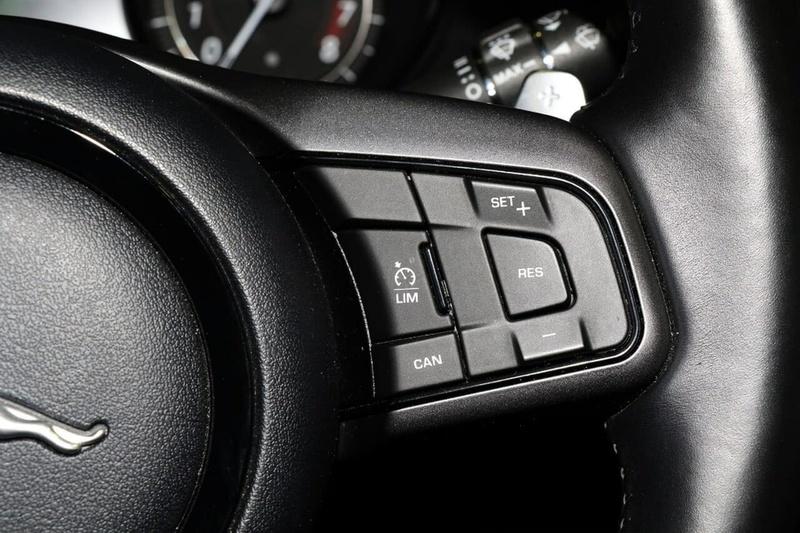 JAGUAR F-TYPE R X152 R Coupe 2dr Quickshift 8sp AWD 5.0SC [MY17]