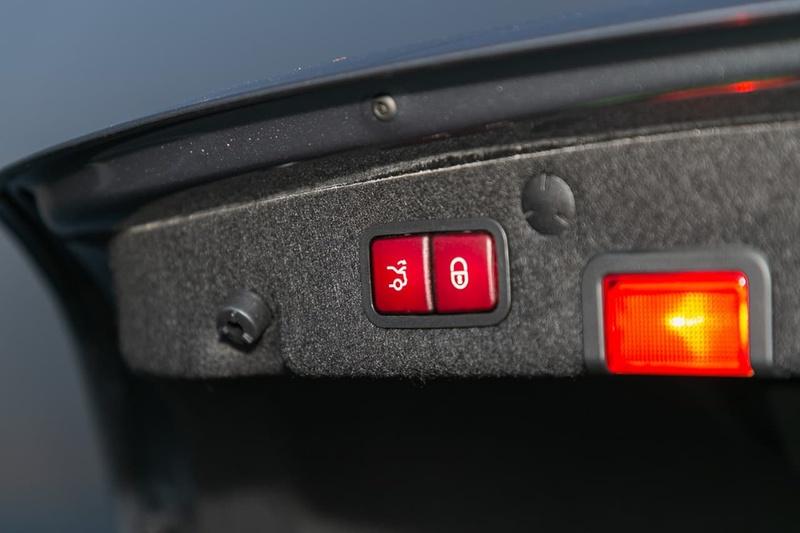 MERCEDES-BENZ C300  W205 Sedan 4dr 9G-TRONIC 9sp 2.0T