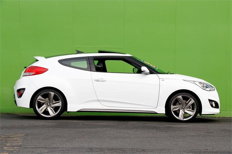 HYUNDAI VELOSTER SR FS5 Series II SR Turbo Coupe 4dr D-CT 7sp 1.6T [Dec]