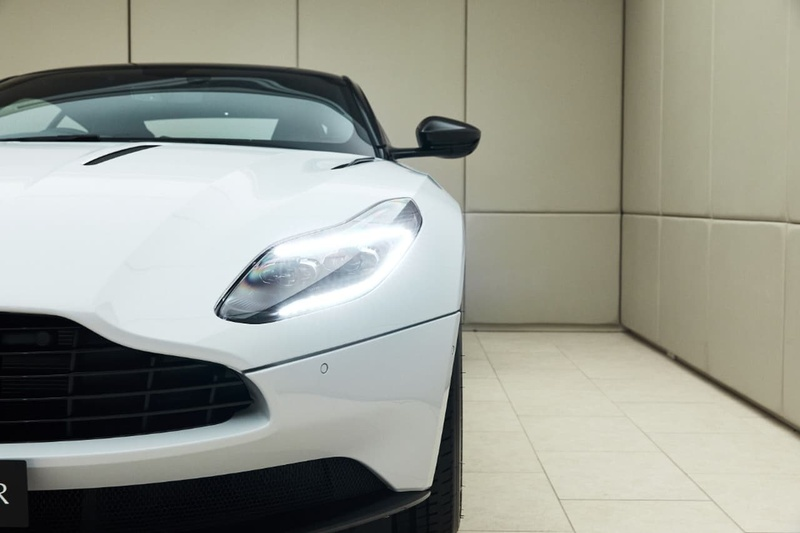 ASTON MARTIN DB11 AMR AMR Coupe 2dr Spts Auto 8sp 5.2TT [MY19.5]