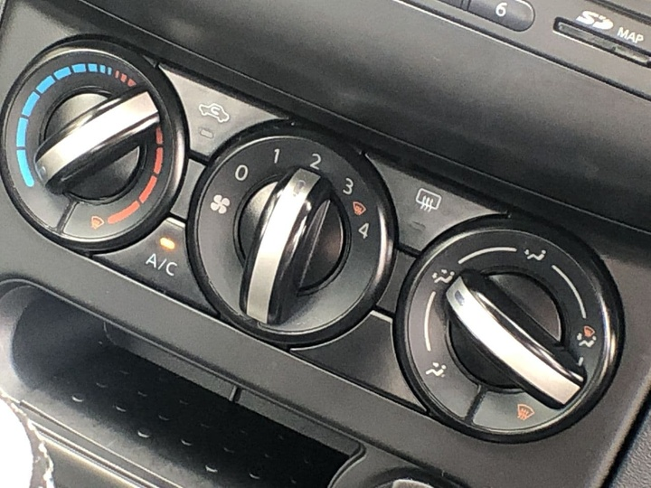 NISSAN DUALIS ST J10 Series 3 ST Hatch 5dr Man 6sp 2WD 2.0i [MY12]