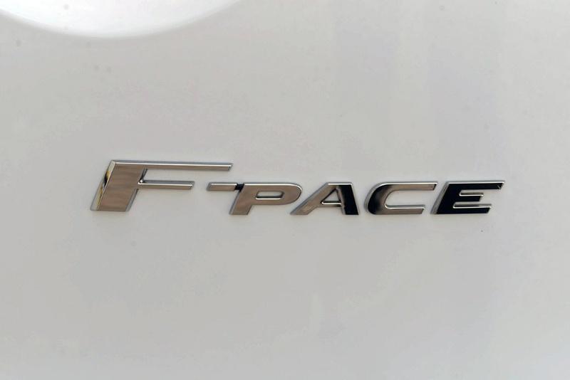 JAGUAR F-PACE 30d X761 30d R-Sport Wagon 5dr Spts Auto 8sp AWD 3.0DTT [MY17]