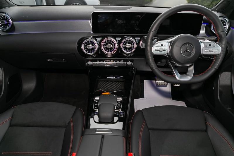 MERCEDES-BENZ A250 AMG Line W177 AMG Line Hatchback 5dr D-CT 7sp 4MATIC 2.0T [Aug]