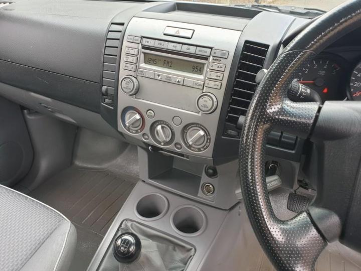 MAZDA BT-50 DX UN DX Cab Chassis Single Cab 2dr Man 5sp 4x2 2.5DT (2st)