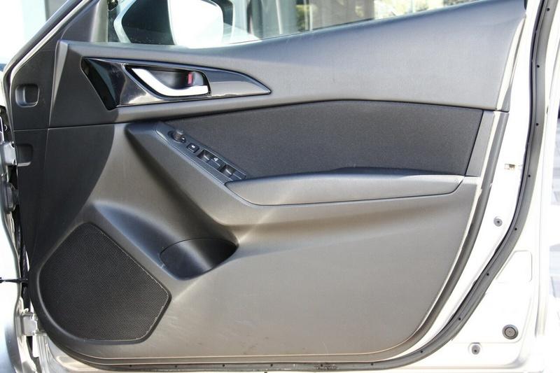 MAZDA 3 Maxx BM Series Maxx Sedan 4dr SKYACTIV-Drive 6sp 2.0i